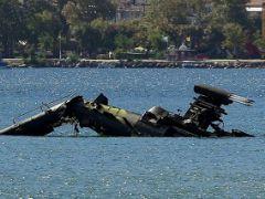Yunan Kara Havacılığına ait Apache Helikopter Denize Düştü